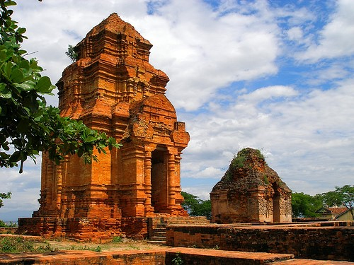 Di tích còn sót lại của vương quốc Chăm Pa xưa
